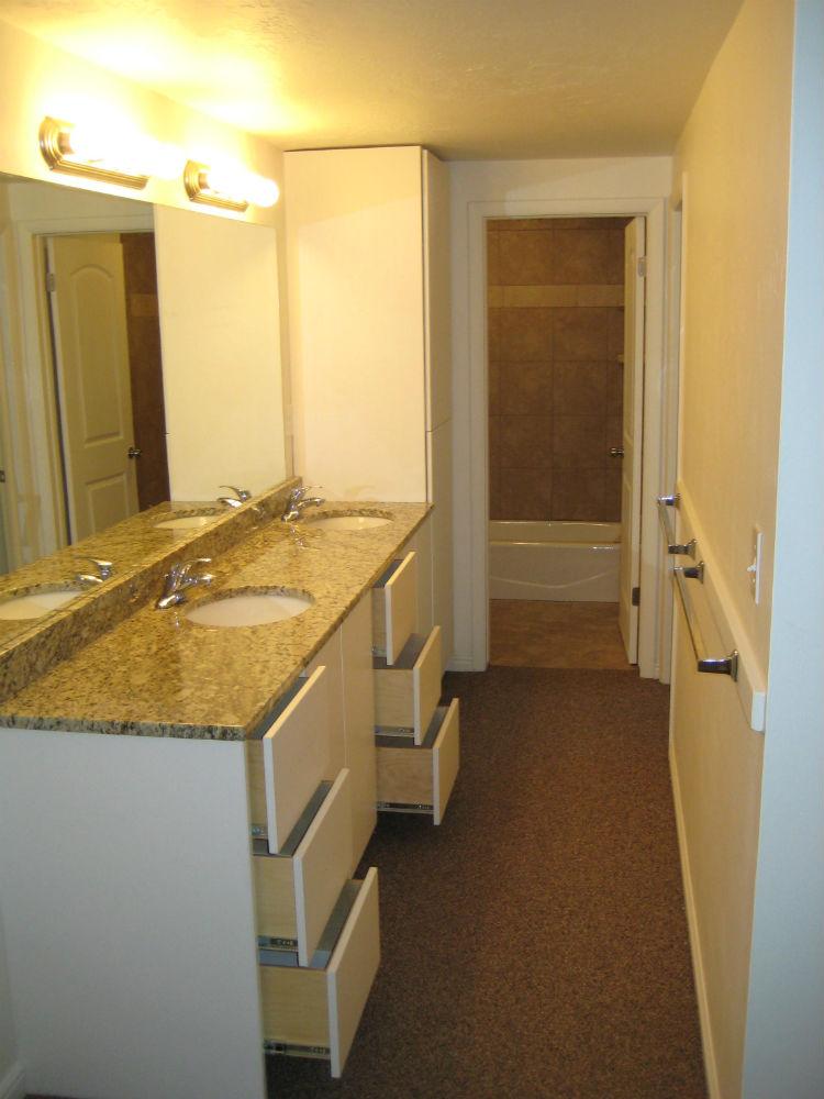 Tour - Crown Apartments